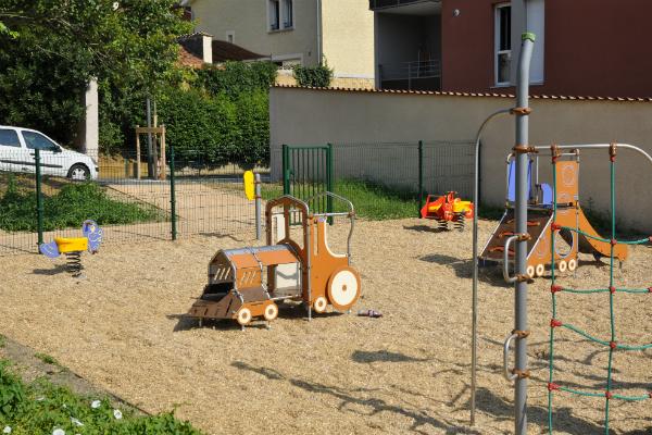 Jardins d 39 enfants mairie de collonges au mont d 39 or for Au jardin d enfant